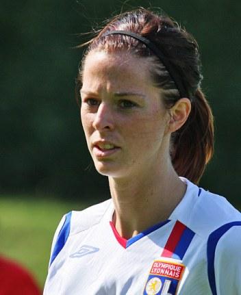 La Suédoise Schelin signe son arrivée par un doublé (photo : Van Gol)