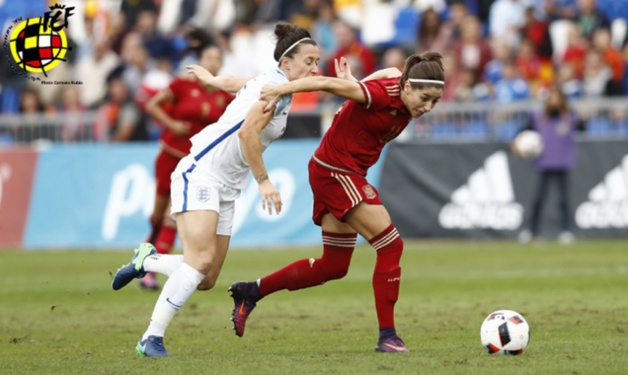 Les Anglaises s'imposent 2-1 en Espagne, futur adversaire des Bleues le 26 novembre prochain (photo sefutbol)