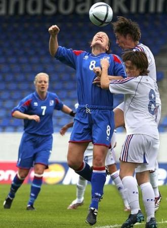 Le duel est lancé entre Françaises et Islandaises