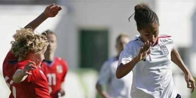 Yankey et l'Angleterre toujours en course (photo : fa.com)