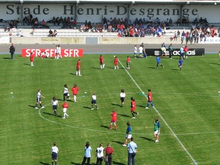150 jeunes filles ont assuré l'animation d'avant match