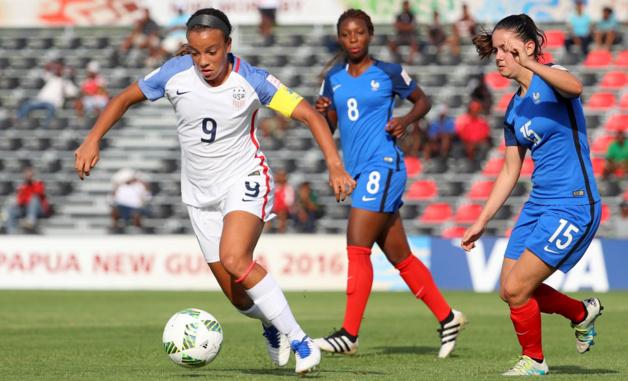 L'Américaine Pugh avec Garbino (photo FIFA.com)