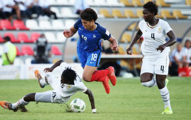 Gauvin et la France se sont retrouvés en difficulté (photos FIFA.com)