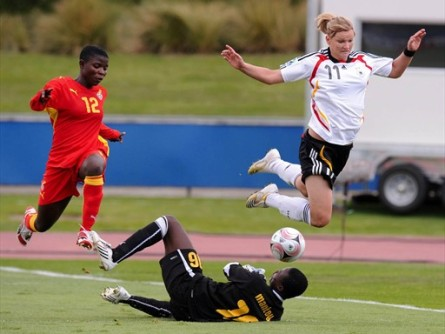 Alexandra Popp et l'Allemagne s'envolent pour les quarts (foto-net/fifa.com)