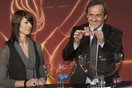 Michel Platini a mené le tirage au sort (photo : uefa.com)