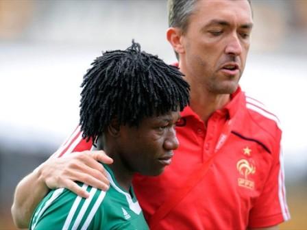 Stéphane Pilard avec la capitaine nigeriane (foto-net)