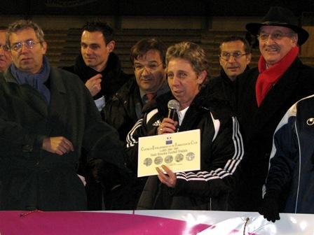 Isabelle Le Boulch reçoit le diplôme (photo : S. Duret)