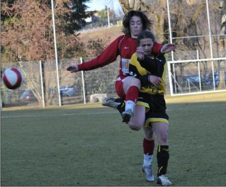Les joueuses d'Arbois (en jaune) ont sorti Besançon (photo : BRC)