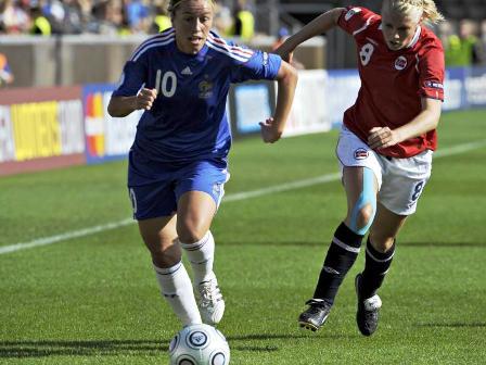 Abily a offert l'égalisation aux Bleues (photo : Dagbladet.no)