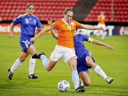 Melis aura été un poison pour la défense tricolore (photo : uefa.com)