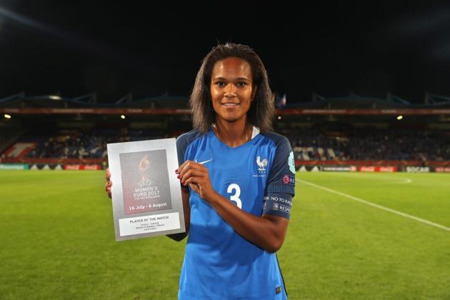 Wendie Renard élue meilleure joueuse de France - Islande