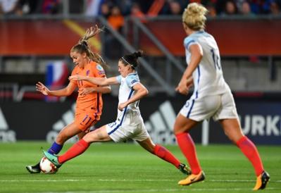 Martens aura été précise encore dans le jeu néerlandais (photo UEFA.com)