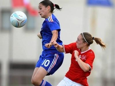 La France et la Suisse se retrouvent comme l'an dernier, ici avec Barbance (photo : uefa.com)