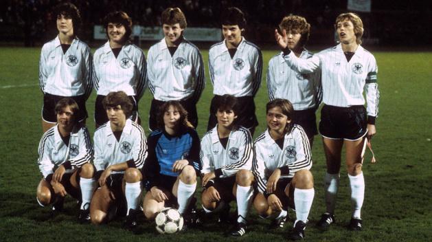 La sélection allemande à ses débuts (photo DFB)