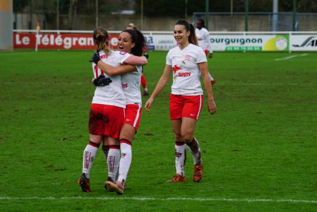 Amani avec Fleury s'impose face à son ancien club (photo footofeminin.fr)