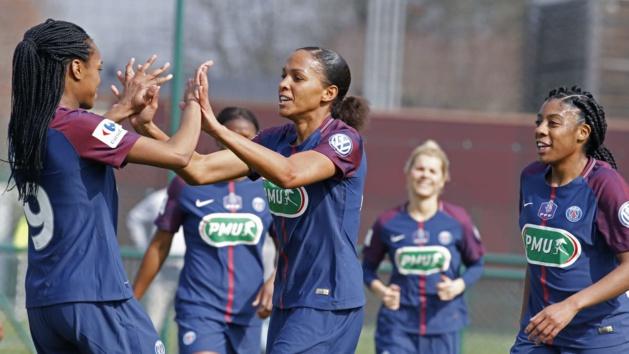 Katoto et Delie après le dernier but (photo PSG.fr)