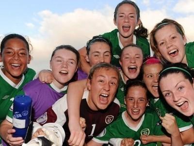 Les Irlandaises laissent exploser leur joie (photo : uefa.com)