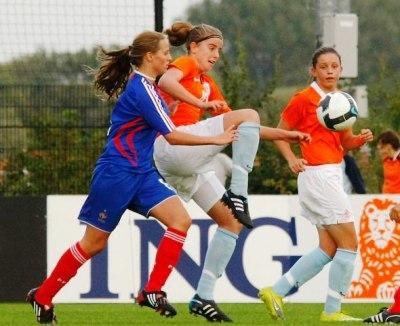 Les Françaises lors d'un match de préparation face aux Pays-Bas (photo : Leo Soeters)