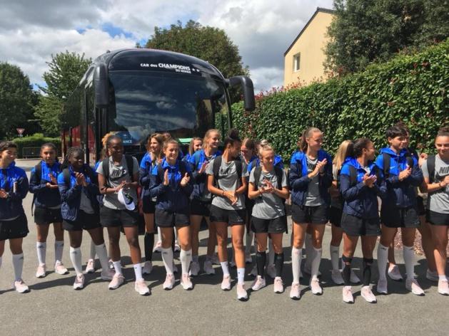 Les Bleuettes ont rallié Clairefontaine à Ploërmel en car (photo FFF)