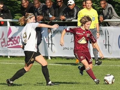 Tonazzi face à Bompastor lors du match Juvisy - Lyon (1-3) (photo : Jean-François)