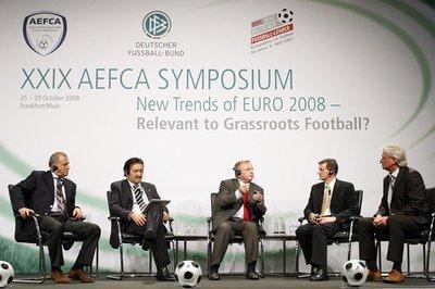 Lors d'un symposium à Francfort en octobre 2008