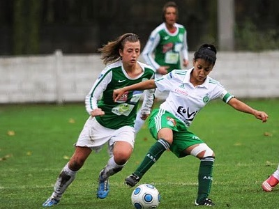 Bengueddoudj n'a pas pu éviter la 4e défaite des Vertes (photo : Denis Dujardin)