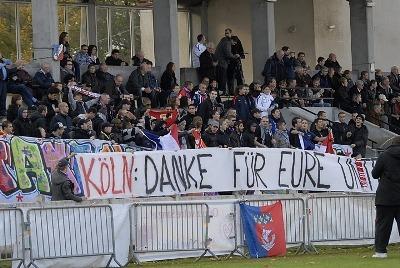 Ils étaient environ 150 lors du match à Hénin (photos : Denis Dujardin)