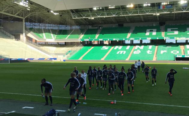 Les Bleues se sont entraînées à Geoffroy Guichard ce jeudi (photo FFF)
