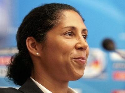 Steffi Jones (source : FIFA.com)