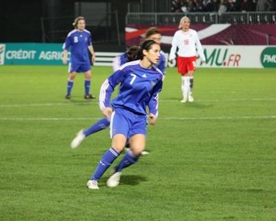 Pauline sous le maillot tricolore (photo : Sébastien Duret)