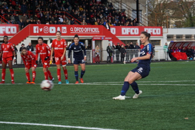 Thiney a ouvert le score (photo footofeminin)