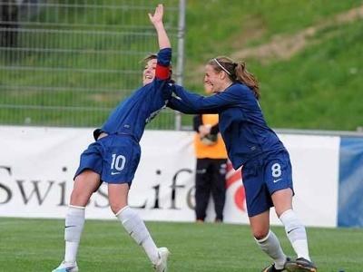 Lavogez félicité par Toletti (photo : Franz Feldmann, www.sportfotos.ch)