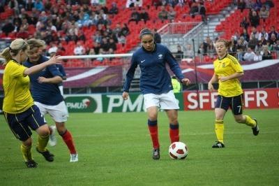 Sandrine Brétigny a joué une quarantaine de minutes face à l'Ecosse à Brest (Photo : Sébastien Duret)