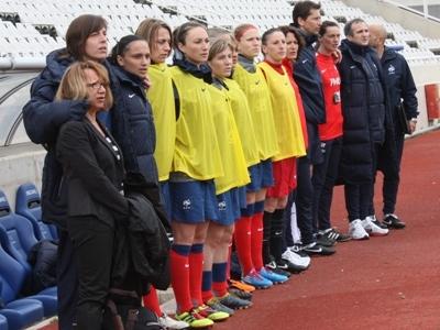 Marilou Duringer au premier plan lors de l'hymne