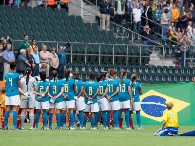 Le Brésil de Marta s'impose sans briller