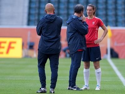 """Bruno Bini : """"Faire un gros match contre l'Allemagne, mais l'objectif reste le quart"""""""