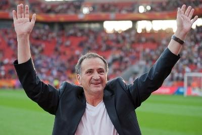 Bruno Bini aura eu l'occasion de faire un tour d'honneur pour remercier les supporters (photo : Eric Baledent)