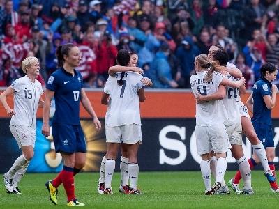 La joie américaine contraste avec la déception de Thiney (photo : Eric Baledent)