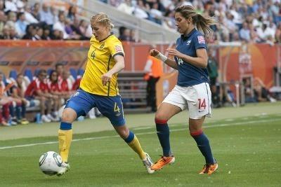 Louisa Necib se sera blessée dès la trentième minute. Bilan : entorse du genou droit.