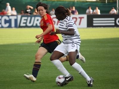 Griedge Mbock Bathy Nka impeccable en défense est venue prêter main forte en fin de match