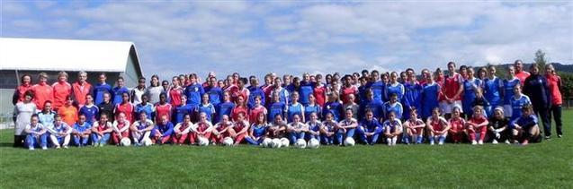 Les féminines des 5 pôles espoirs nationaux (Photo G Domain)