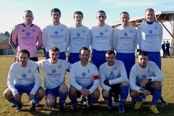 Le FC Crolles (Isère) est l'un des trente-quatre clubs sponsorisés par JOAONLINE...