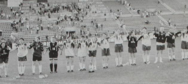Les premières Bleues à avoir joué à Rennes en 1998 (photo archive)
