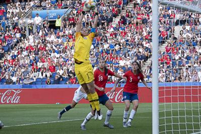 Endler impériable, et joueuse du match (photo Eric Baledent/FOF)