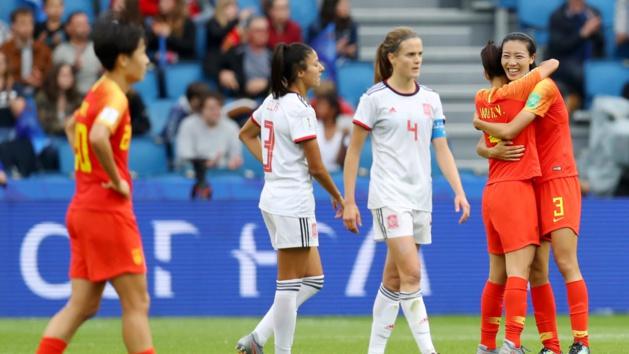 Les Chinoises qualifiées se congratulent (photo FIFA.com)