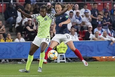 Thiney au duel avec Okobi a été plus en vue en seconde (photo Eric Baledent/FOF)