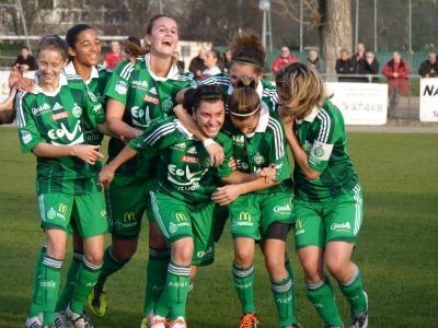 Les Vertes en train d'exulter après l'égalisation de Rose Lavaud (Photos : Thibault Simonnet)