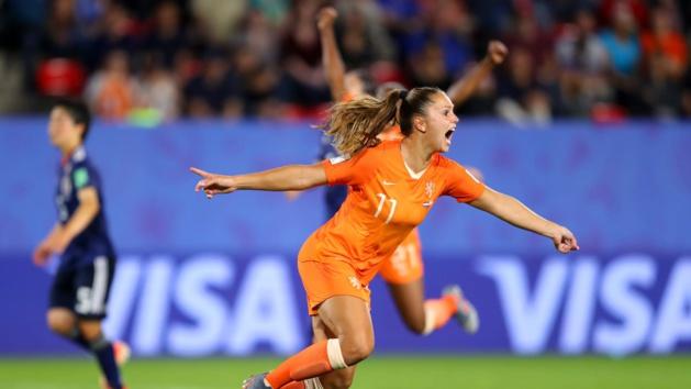 Martens signe un doublé (photo FIFA.com)
