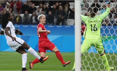 Schmidt inscrit le but qui élimine les Bleues (photo FIFA.Com)