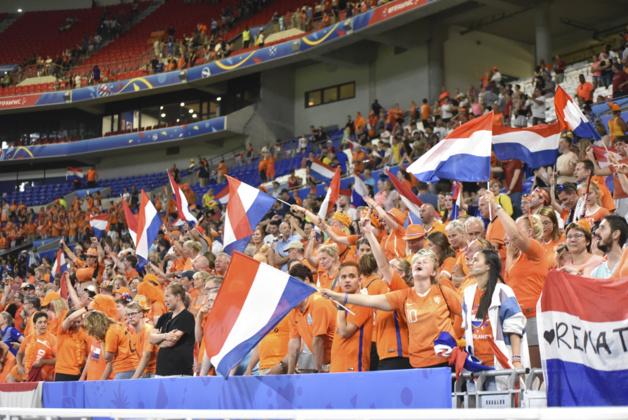 Les supporters néerlandaises étaient 3 000 en demi-finale (photo Frédérique Grando)
